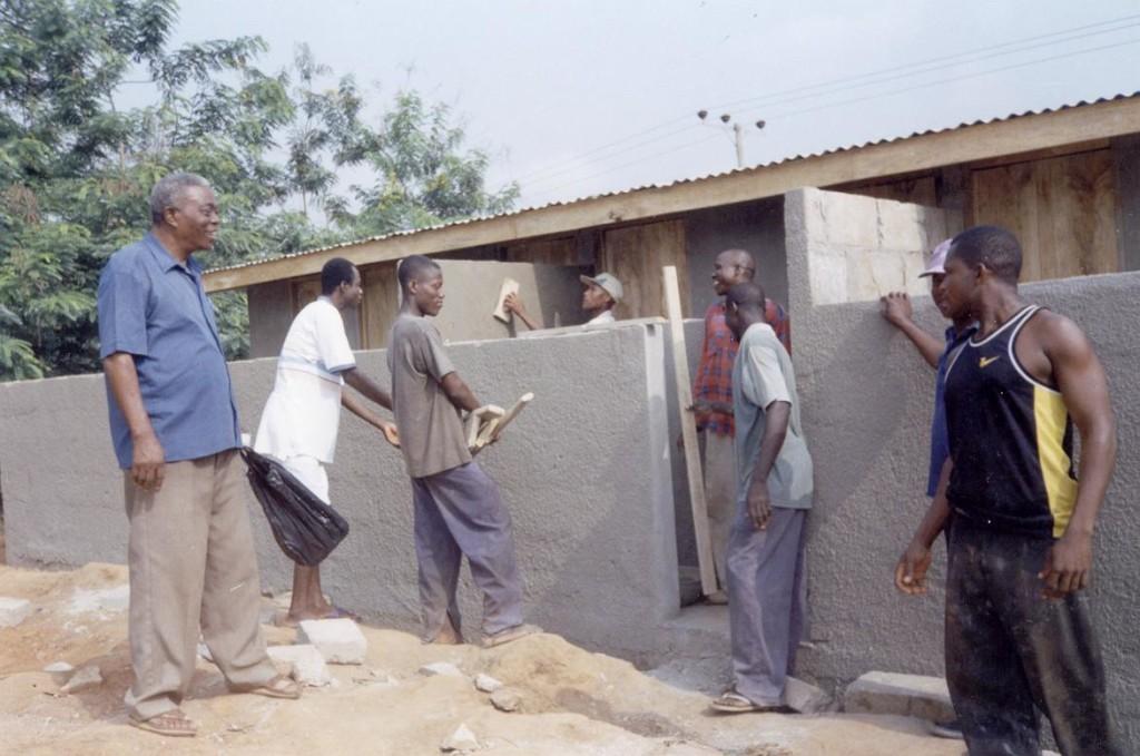 La scuola in costruzione in Ghana ad Accrà.